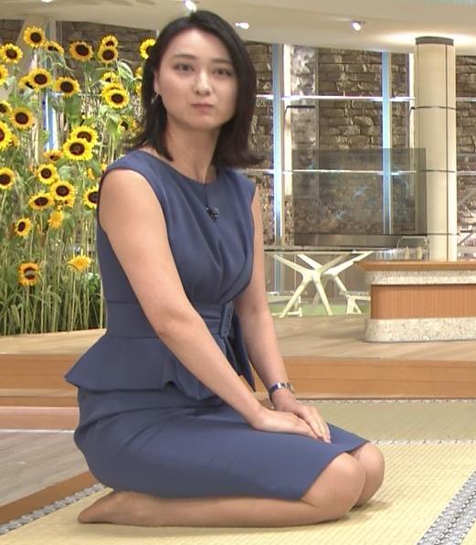小川彩佳アナ スカートでの正座がエロいキャプ・エロ画像8