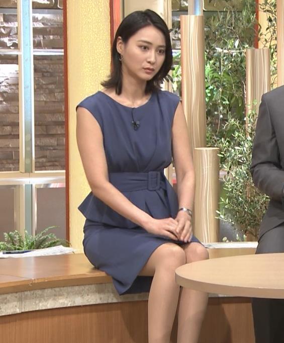 小川彩佳アナ スカートでの正座がエロいキャプ・エロ画像10