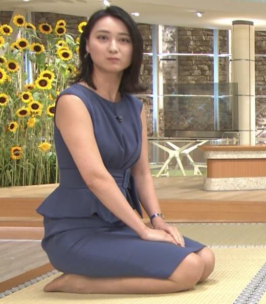 小川彩佳 スカートでの正座がエロいキャプ画像(エロ・アイコラ画像)