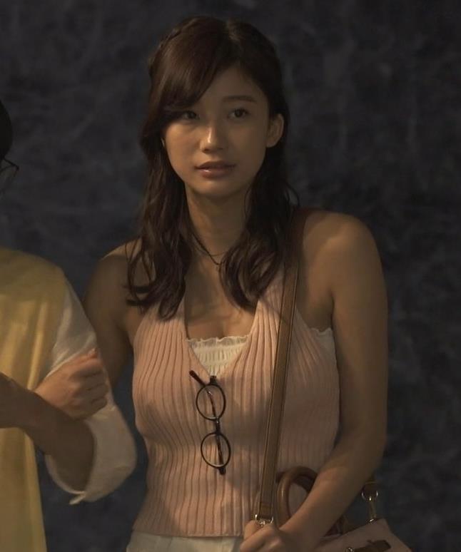小倉優香 ドラマでエロ要員になってるキャプ・エロ画像11