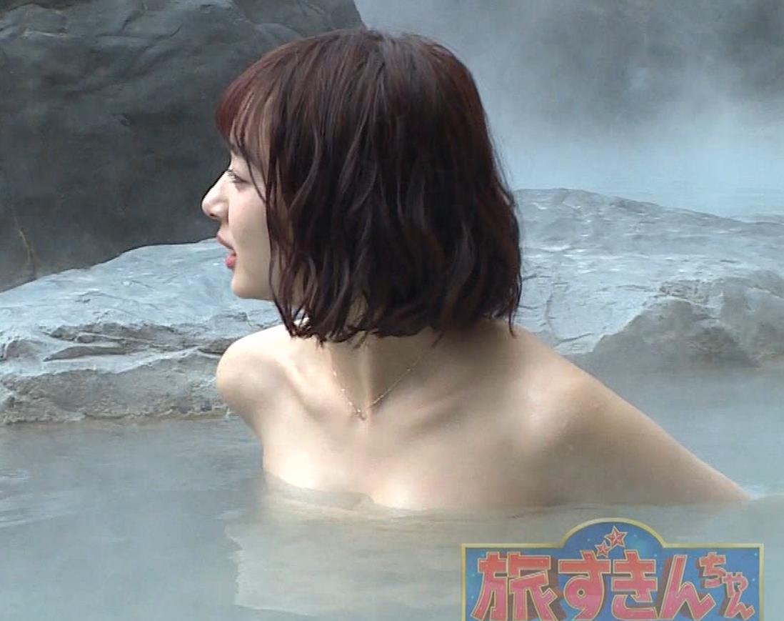 岡田紗佳 温泉入浴でおっぱいがタオルからこぼれているキャプ・エロ画像18