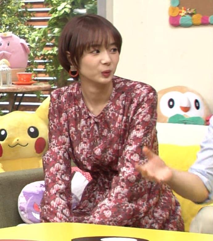 岡田紗佳 ワンピース横乳キャプ・エロ画像8