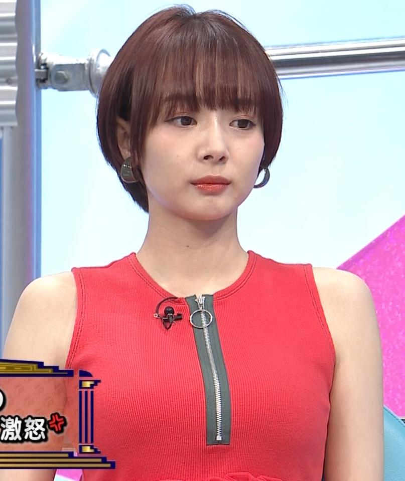岡田紗佳 この横乳がエロ過ぎキャプ・エロ画像
