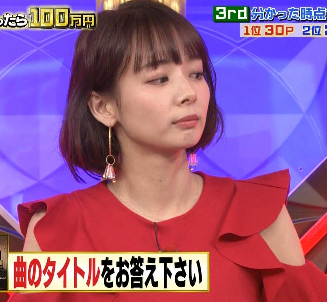 岡田紗佳 クイズ番組でもエロい衣装キャプ・エロ画像11