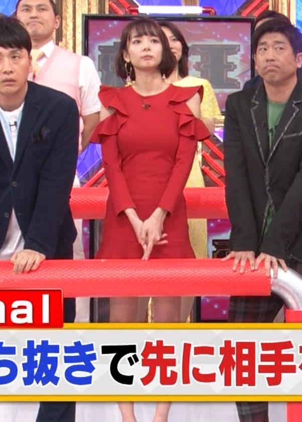 岡田紗佳 クイズ番組でもエロい衣装キャプ・エロ画像15