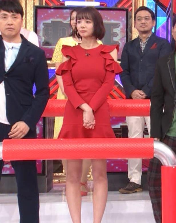 岡田紗佳 クイズ番組でもエロい衣装キャプ・エロ画像16