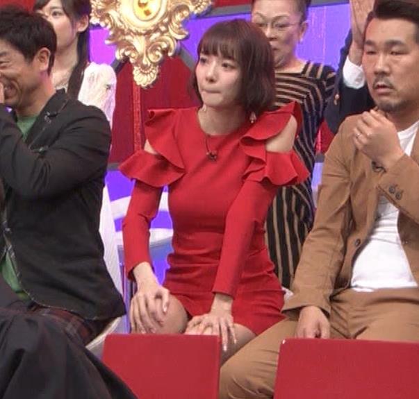 岡田紗佳 クイズ番組でもエロい衣装キャプ・エロ画像20