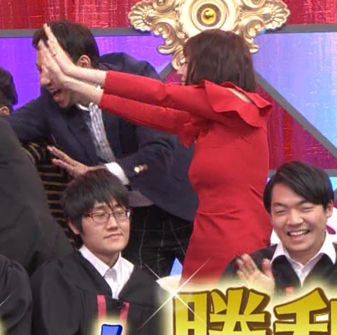 岡田紗佳 クイズ番組でもエロい衣装キャプ・エロ画像22