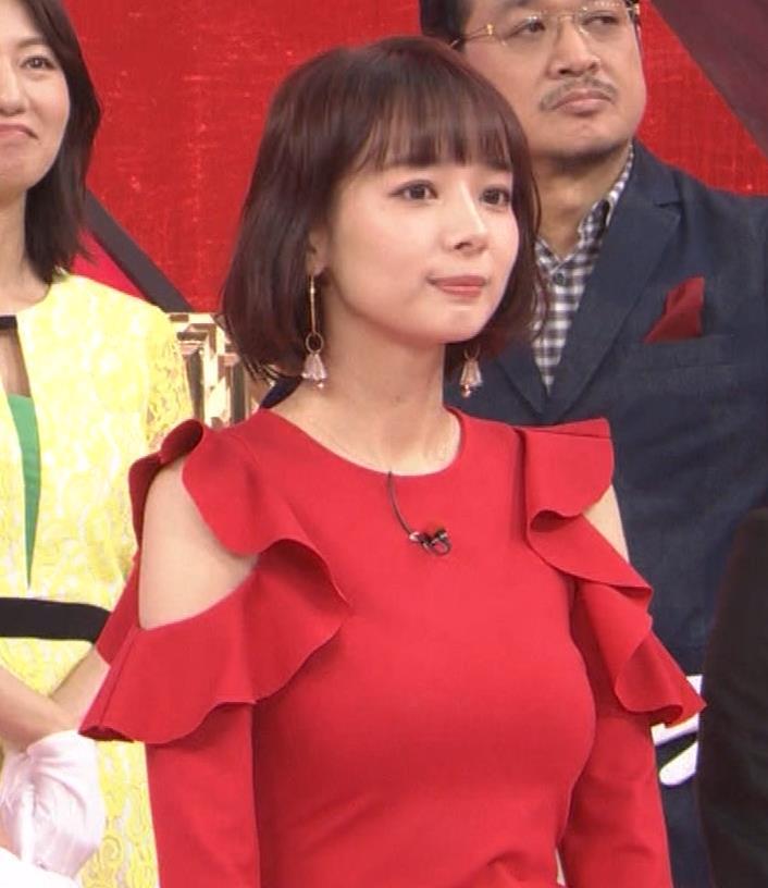 岡田紗佳 クイズ番組でもエロい衣装キャプ・エロ画像8