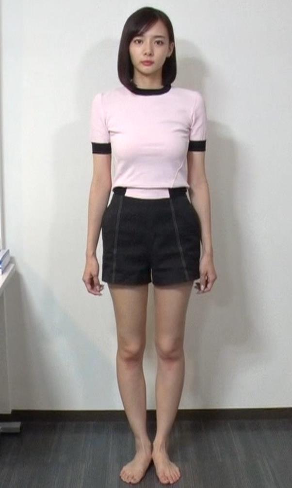 岡田紗佳 ピチT巨乳横乳キャプ・エロ画像