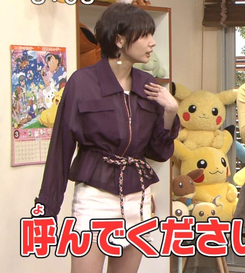 岡田紗佳 子供向け番組でも過激に脚見せキャプ・エロ画像7