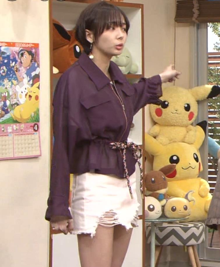 岡田紗佳 子供向け番組でも過激に脚見せキャプ・エロ画像9