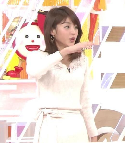 岡副麻希 スリムなニットちっぱいキャプ画像(エロ・アイコラ画像)