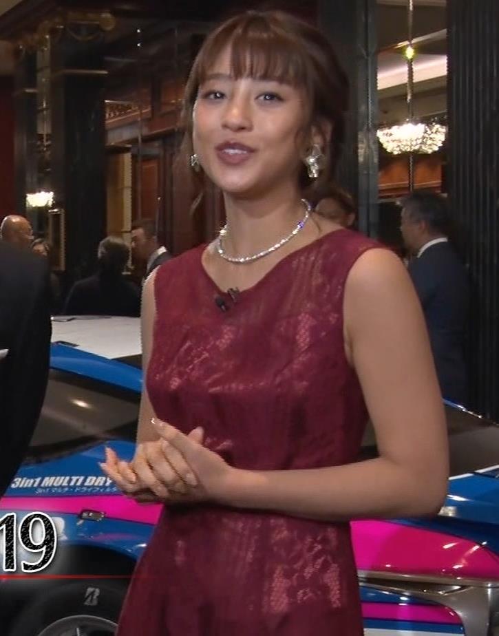 岡副麻紀 ドレス盛り乳、エロワキキャプ・エロ画像