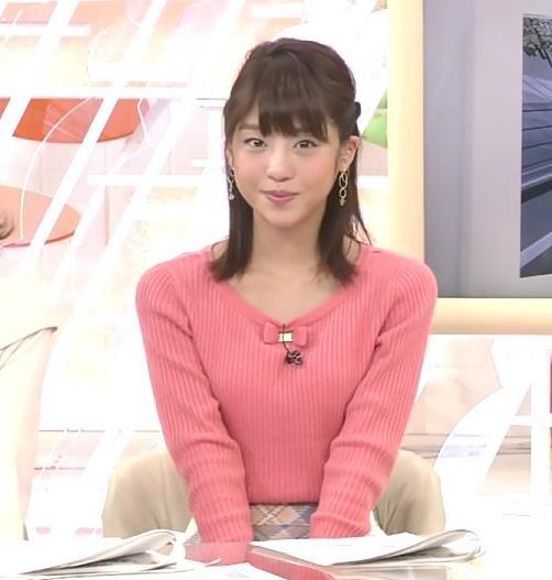 岡副麻希 ニットおっぱいを両腕で挟んだ結果…キャプ・エロ画像9