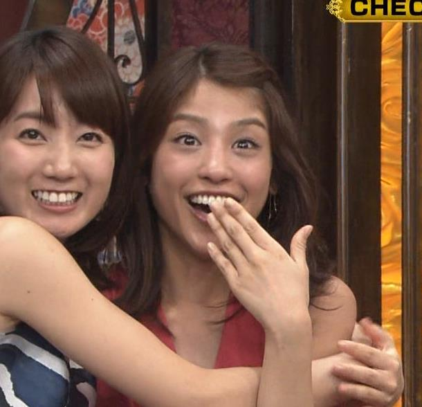 アナ セクシードレスで胸チラ・ワキチラ・パンチラキャプ・エロ画像6