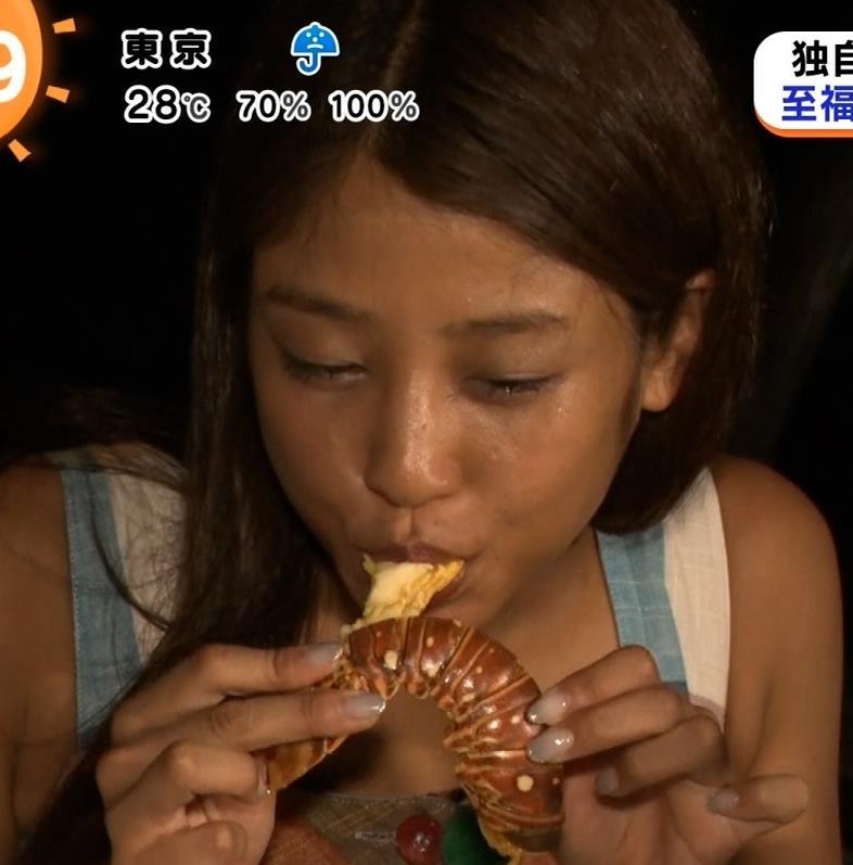 岡副麻希 今年は特に黒いような気がするキャプ・エロ画像13