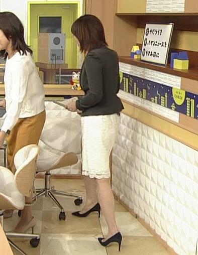 大成安代アナ タイトめなスカートのお尻キャプ・エロ画像3