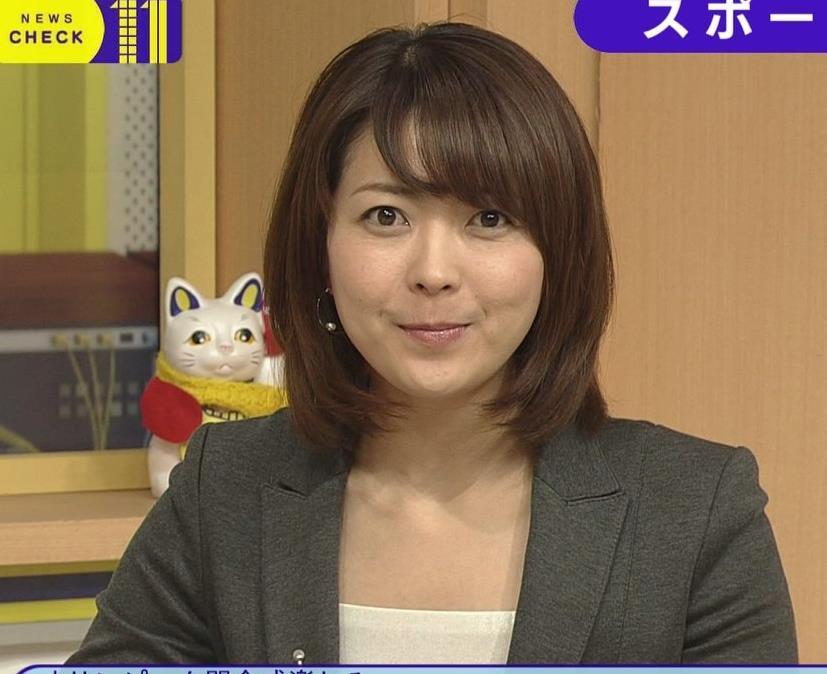 大成安代アナ タイトめなスカートのお尻キャプ・エロ画像6
