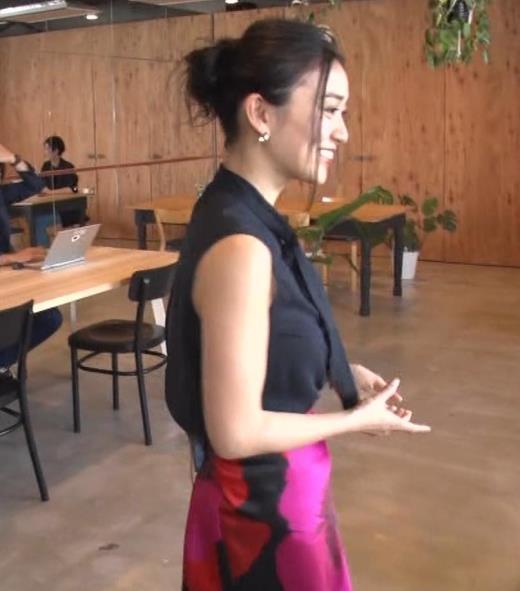 大島優子 BS番組での横乳キャプ画像(エロ・アイコラ画像)