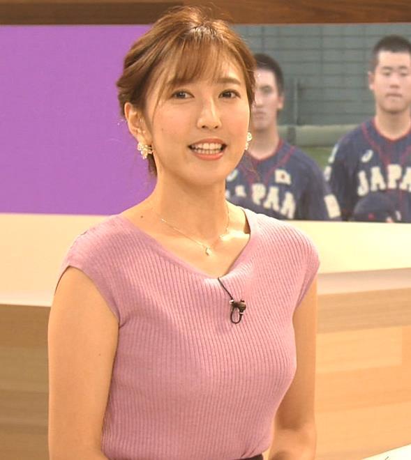 小澤陽子アナ 意外と控えめだったニットおっぱいキャプ・エロ画像6