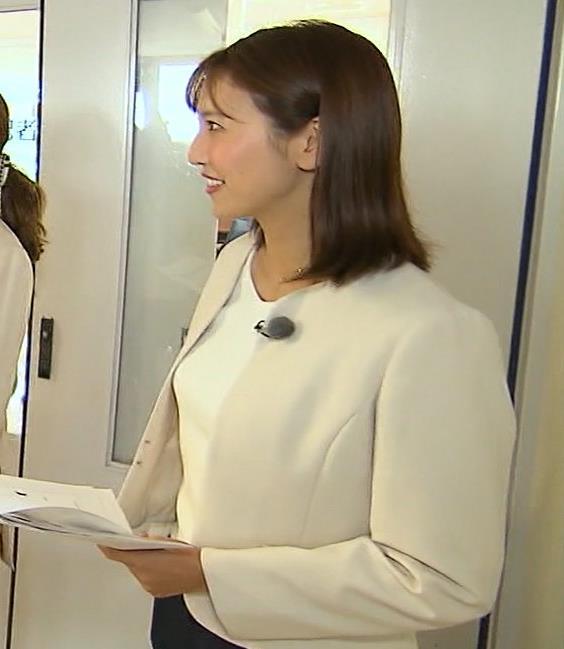 小澤陽子アナ ジャケットのしたのエロいおっぱいキャプ・エロ画像