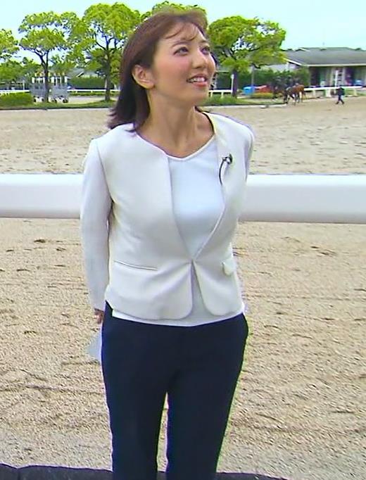 小澤陽子アナ ジャケットのしたのエロいおっぱいキャプ・エロ画像3