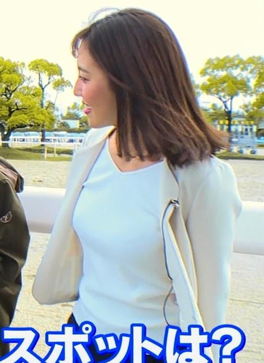 小澤陽子アナ ジャケットのしたのエロいおっぱいキャプ・エロ画像5