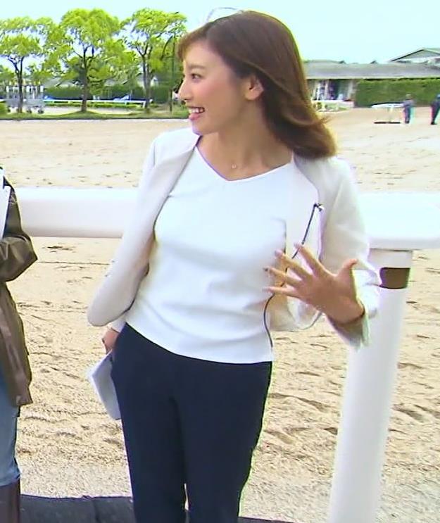 小澤陽子アナ ジャケットのしたのエロいおっぱいキャプ・エロ画像6