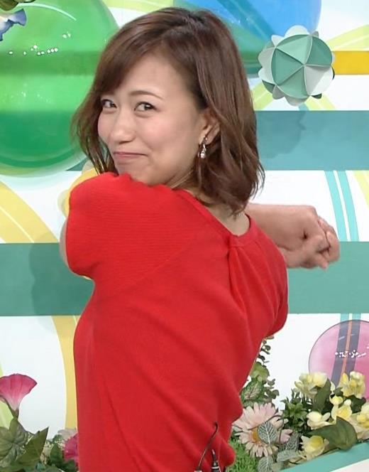 斎藤真美アナ タイトな服でエロいおっぱいキャプ・エロ画像17