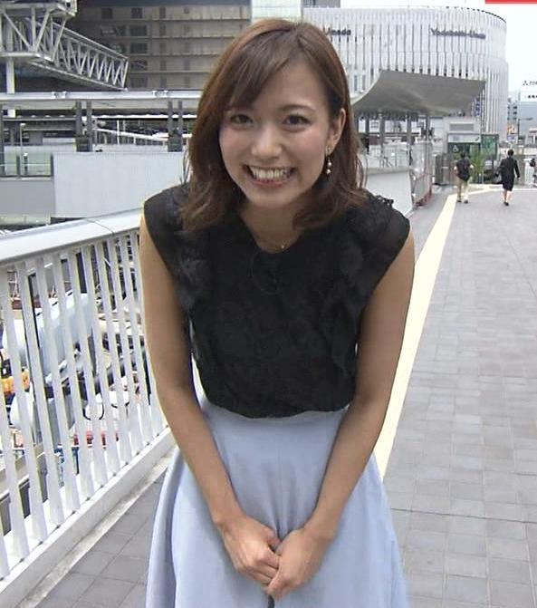 斎藤真美アナ ノースリーブでワキちらキャプ・エロ画像