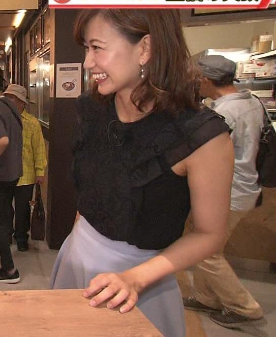 斎藤真美アナ ノースリーブでワキちらキャプ・エロ画像4