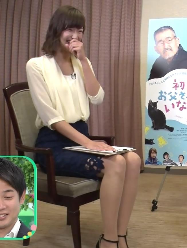 斎藤真美アナ エロいミニスカートで座ってたよキャプ・エロ画像