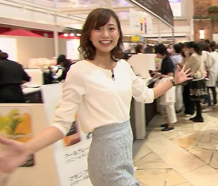 斎藤真美アナ タイトスカートのお尻がエロいキャプ・エロ画像2