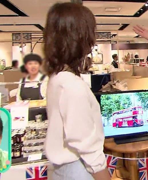 斎藤真美アナ タイトスカートのお尻がエロいキャプ・エロ画像13
