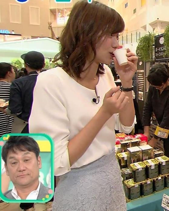 斎藤真美アナ タイトスカートのお尻がエロいキャプ・エロ画像8
