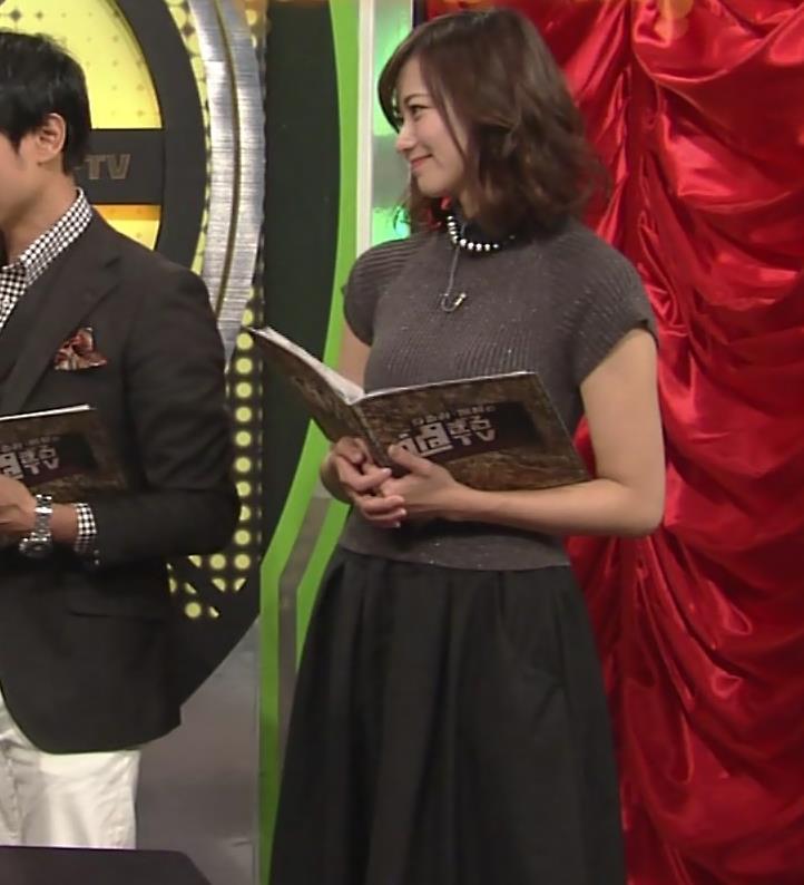 斎藤真美アナ エロかわいいピチピチのニットおっぱいキャプ・エロ画像12
