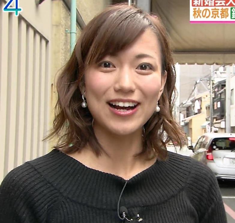 斎藤真美アナ 突き出したおっぱいがエロいニットキャプ・エロ画像