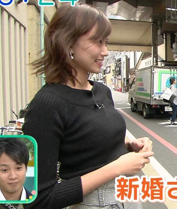 斎藤真美アナ 突き出したおっぱいがエロいニットキャプ・エロ画像2