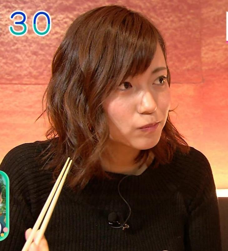 斎藤真美アナ 突き出したおっぱいがエロいニットキャプ・エロ画像12