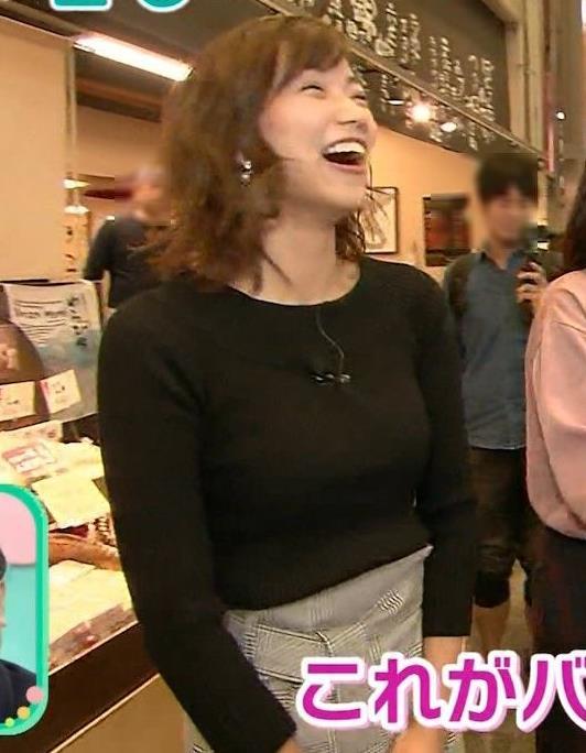 斎藤真美アナ 突き出したおっぱいがエロいニットキャプ・エロ画像6
