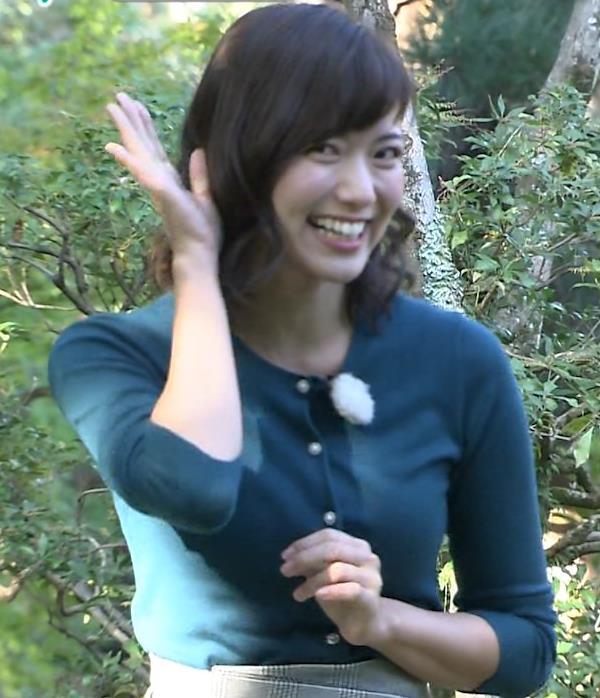 斎藤真美アナ ピチピチのニットの横乳キャプ・エロ画像2