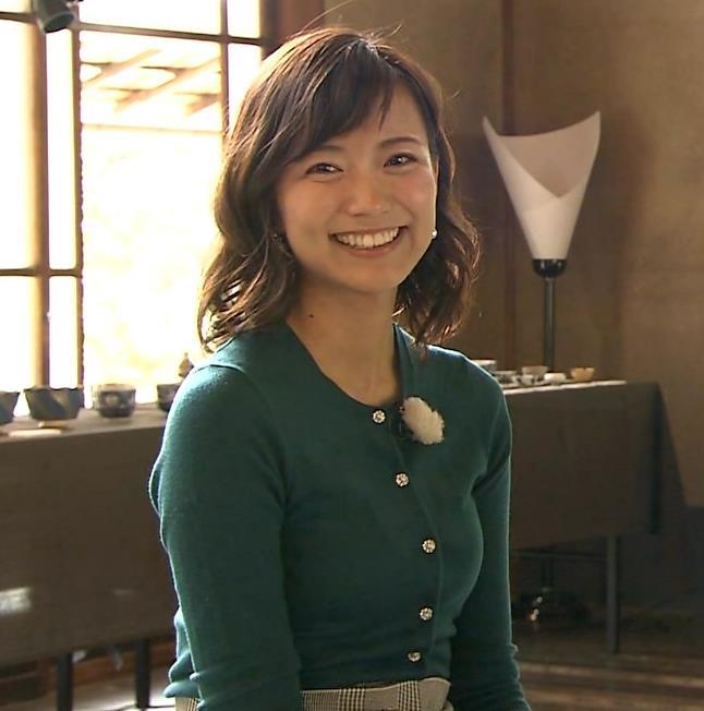 斎藤真美アナ ピチピチのニットの横乳キャプ・エロ画像9