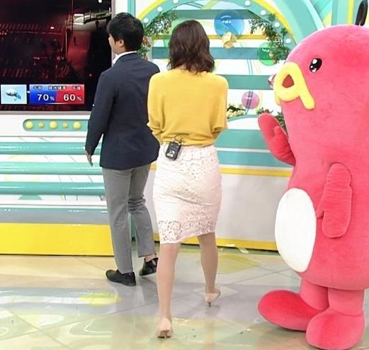 斎藤真美アナ タイトスカートのお尻がいい感じ!キャプ・エロ画像5