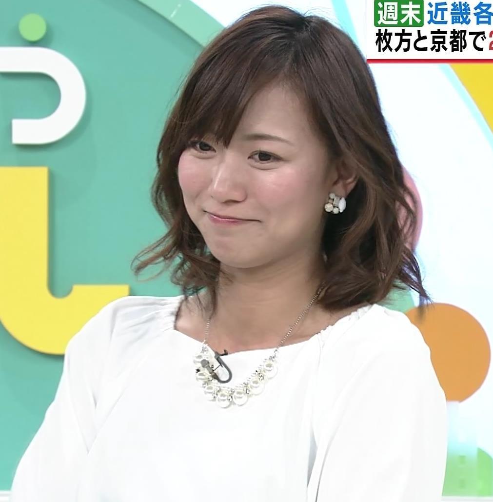 斎藤真美アナ タイトスカートのお尻♡キャプ・エロ画像