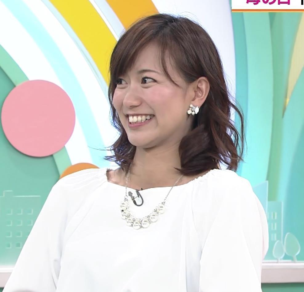 斎藤真美アナ タイトスカートのお尻♡キャプ・エロ画像6