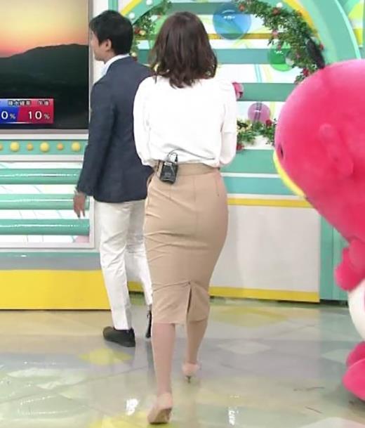 斎藤真美アナ タイトスカートのお尻♡キャプ画像(エロ・アイコラ画像)