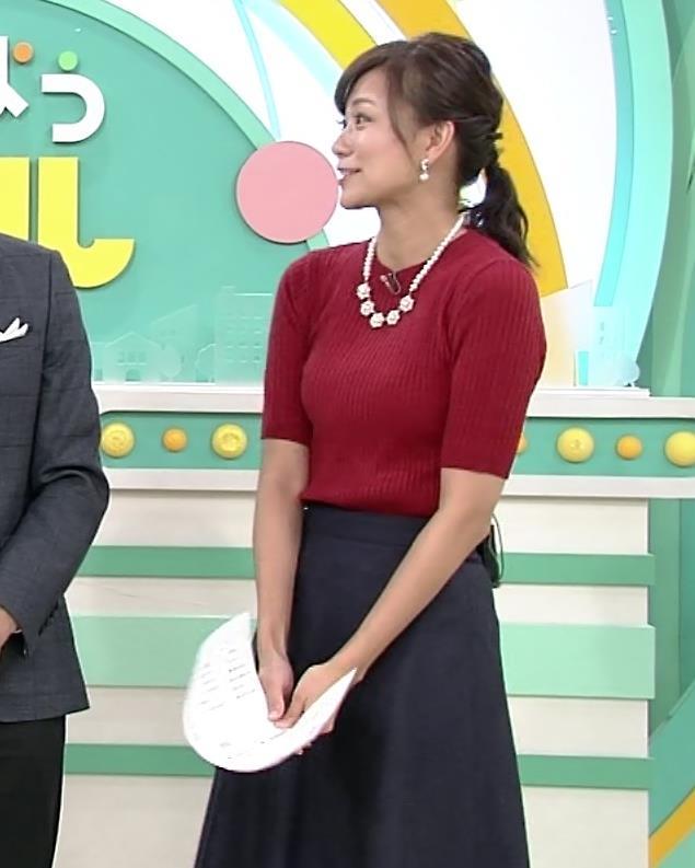 斎藤真美アナ ピチピチなニットおっぱいキャプ・エロ画像2