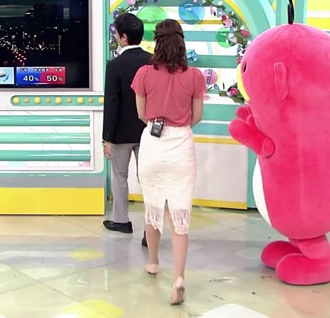 斎藤真美アナ タイトスカートお尻キャプ・エロ画像4