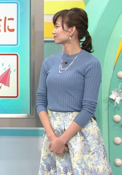 斎藤真美アナ ニット巨乳キャプ画像11